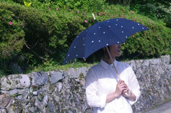 日傘で紫外線対策しっかりしましょっ!